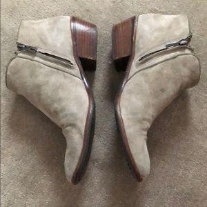 "Sam Edelman Shoes - Sam Edelman ""Petty"" Chelsea Bootie size 9"